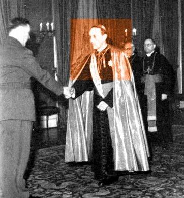 Др. Алоис Степинац, архибискуп Загреба, в одеянии усташей, со своей свитой поздравляет, лично желает счастливого Нового Года Анте Палевичу.