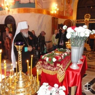 Освящение большого Пасхального яйца в канун праздника Воскресения Христова