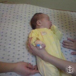 Помощь грудному ребенку
