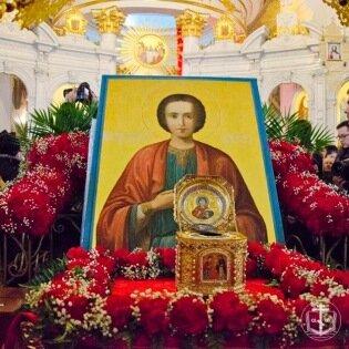 В Одессу доставлены мощи святого великомученика Пантеле ...